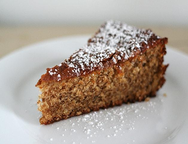 Εύκολο κέικ με καρύδια