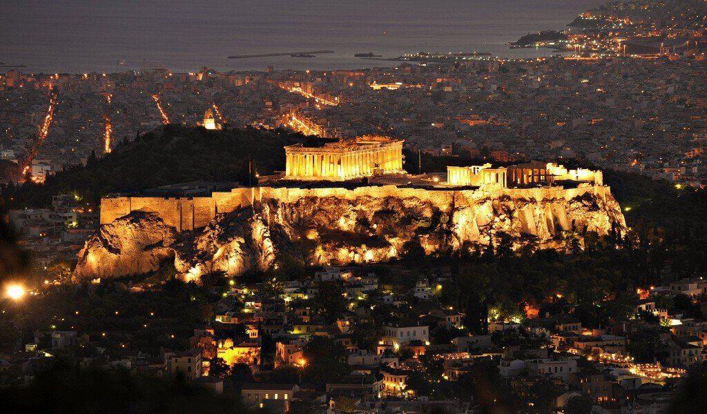 ελληνική κοινωνία