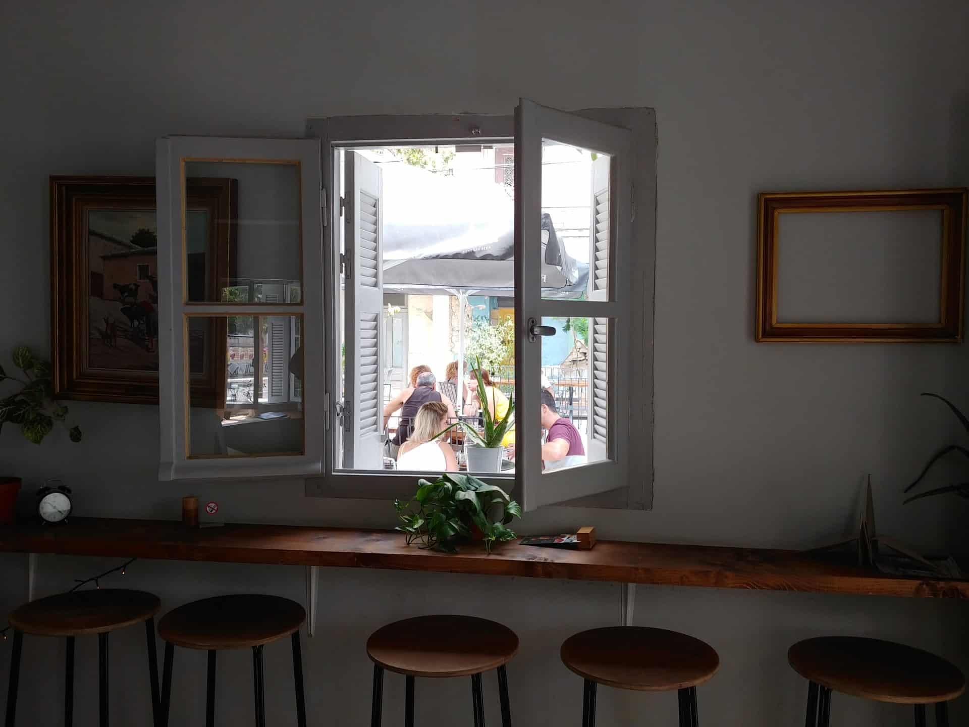 Saorsa Bar στο Μεταξουργείο