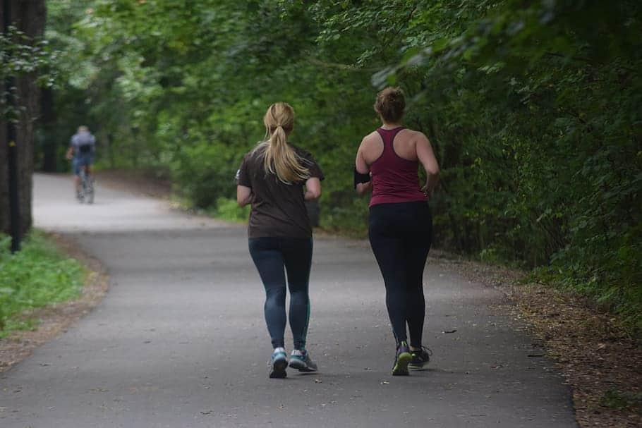 Περπάτημα με άδειο στομάχι για καύση λίπους