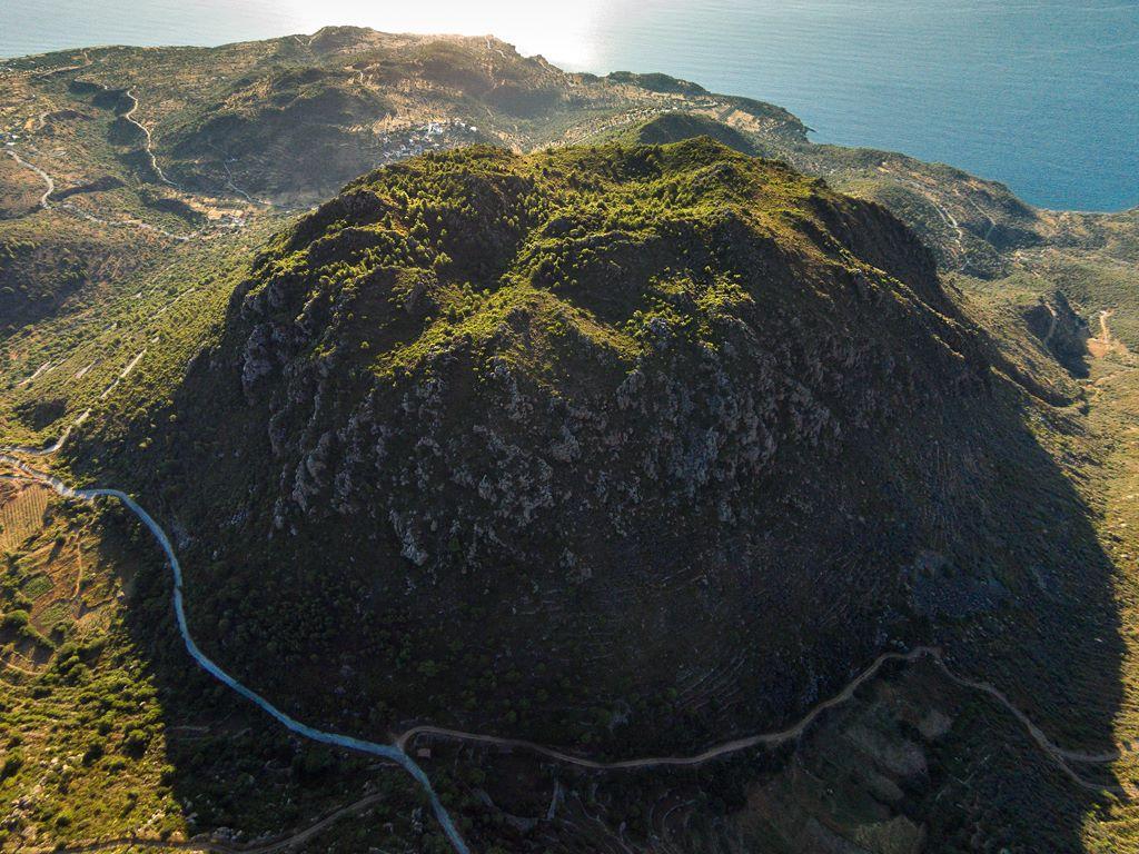 Ηφαίστειο Μεθάνων - κρατήρας