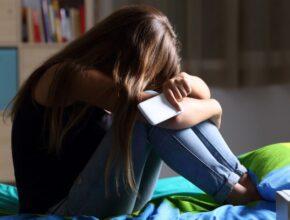 social media και κατάθλιψη